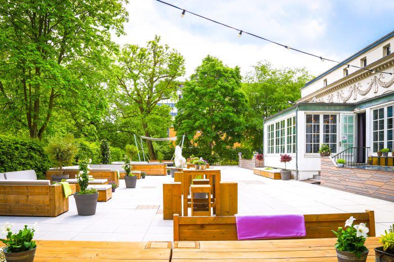 Garten l Terrasse l Villa mit zwei Bars
