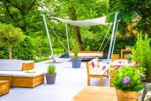 le PANTHER Impressionen Garten I Terrasse